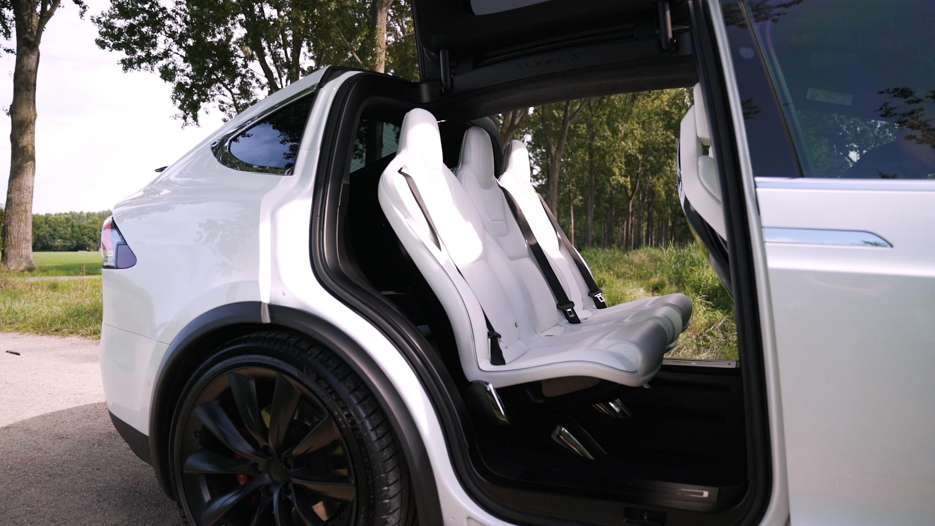 De binnenkant / interieur van een Tesla Model X